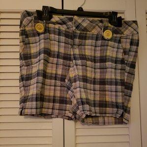 Rue 13/14 plaid shorts